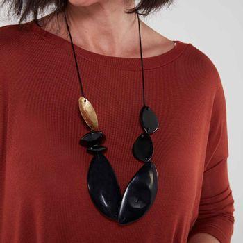 Colar-feminino-resinas-preto-ROU1420-papel-craft--2-